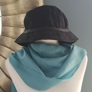 Coach black with leather trim bucket hat